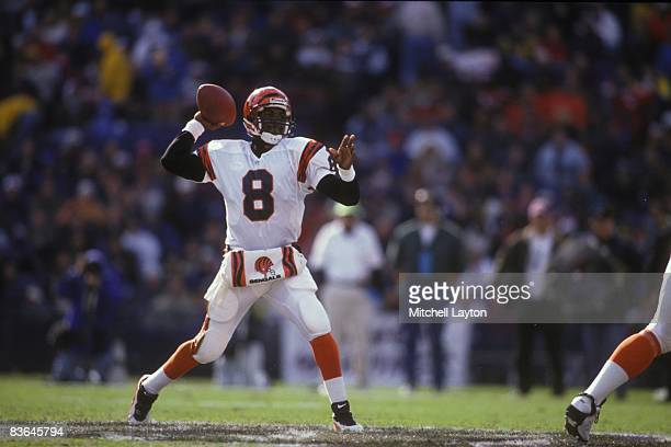 Jeff Blake of the Cincinnati Bengals throws a pass during a NFL football game against the Baltimore Ravens on Novembr 3 1996 at Memorial Stadium in...