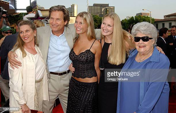 Jeff Bridges Family during 'Seabiscuit' Premiere at Mann Village Theatre in Westwood California United States