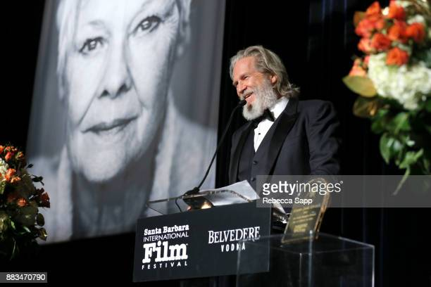 Jeff Bridges presents award at Santa Barbara International Film Festival Kirk Douglas Award of Excellence Dinner sponsored by Belvedere Vodka...
