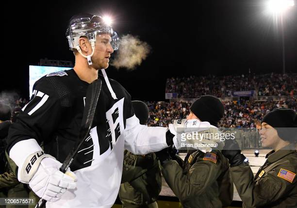 Jeff Carter of the Los Angeles Kings makes his way to the ice for the third period of the 2020 NHL Stadium Series game between the Los Angeles Kings...