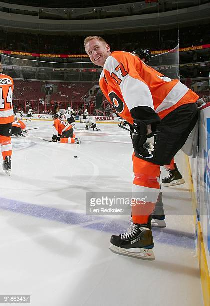 Jeff Carter of the Philadelphia Flyers smiles during the pregame warmups against the Pittsburgh Penguins on October 8 2009 at the Wachovia Center in...