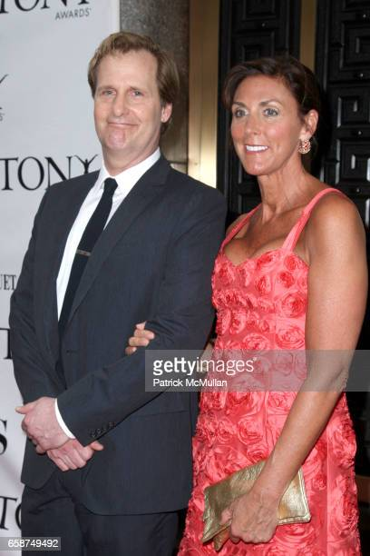 Jeff Daniels and Kathleen Treado attend 63rd Annual Tony Awards Arrivals at Radio City Music Hall on June 7 2009 in New York City