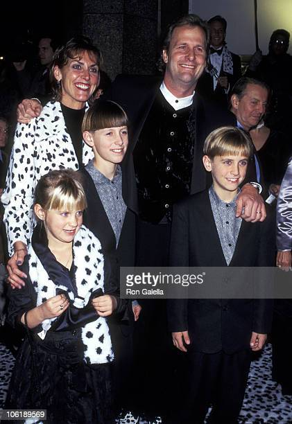 Jeff Daniels Kathleen Treado and kids Nellie Daniels Benjamin Daniels and Lucas Daniels