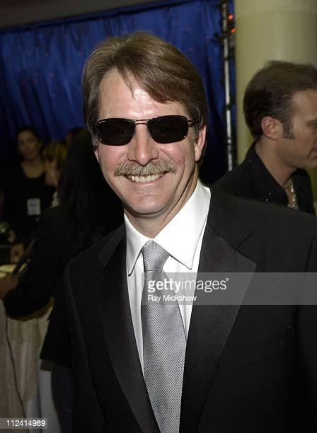 Jeff Foxworthy wearing Carrera superior sunglasses