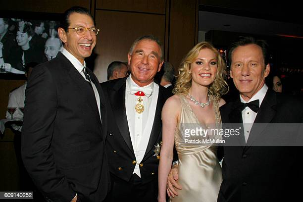 Jeff Goldblum Prince Frederick von Anhalt Ashley Madison and James Wood attend VANITY FAIR Oscar Party at Morton's on February 25 2007 in Los Angeles...