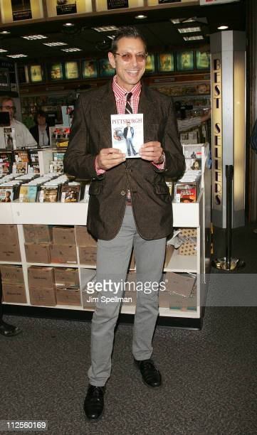 Jeff Goldblum Signs Copies of 'Pittsburgh' DVD at JR Music and Computer World on September 21 2007 in New York City