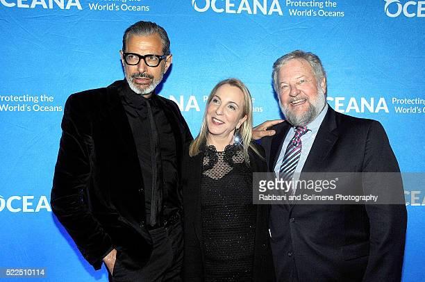 Jeff Goldblum Susan Rockefeller and David Rockefeller attend the 2016 Oceana New York City Gala at Four Seasons Restaurant on April 19 20