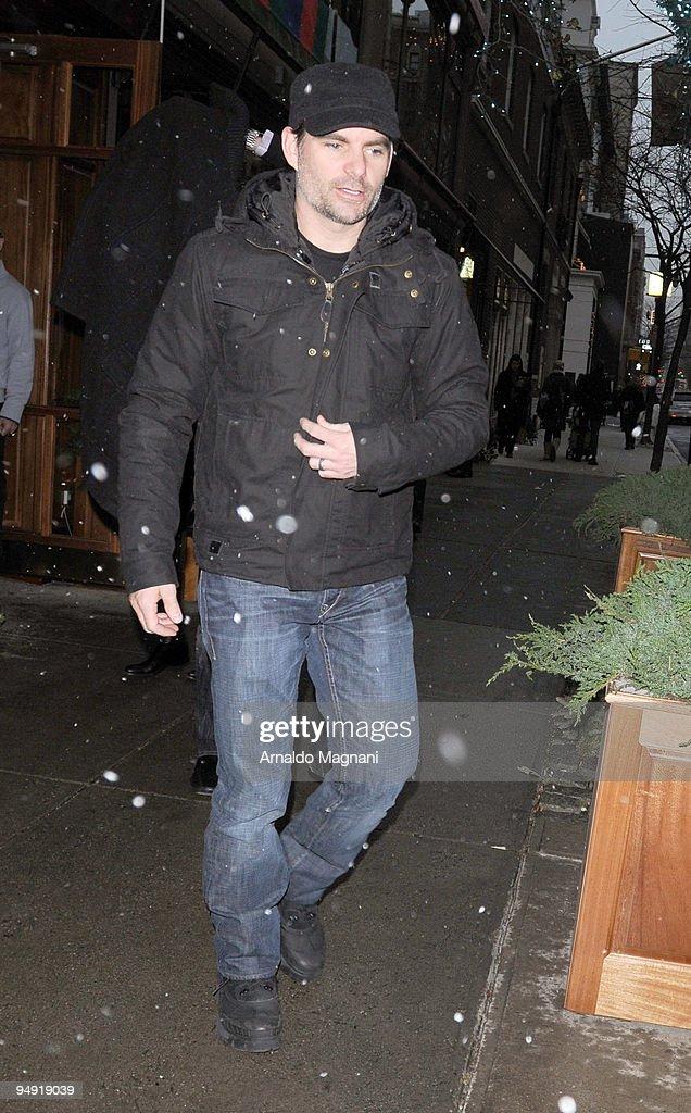 Candids: December 19, 2009 : News Photo