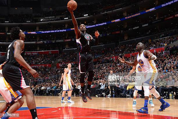 Jeff Green of Los Angeles Clippers shoots the ball against the Golden State Warriors on February 20 2016 at STAPLES Center in Los Angeles California...