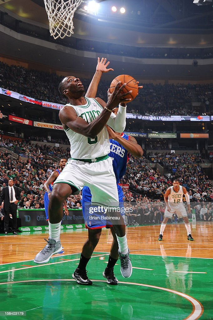 Jeff Green #8 of the Boston Celtics goes to the basket against the Philadelphia 76ers on December 8, 2012 at the TD Garden in Boston, Massachusetts.