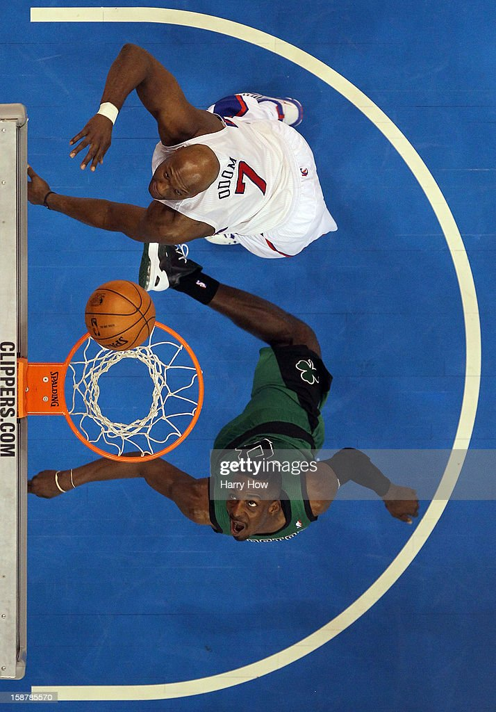Jeff Green #8 of the Boston Celtics scores on a layup past Lamar Odom #7 of the Los Angeles Clippers during a 16-77 loss to the Clippers for 15 straight wins at Staples Center on December 27, 2012 in Los Angeles, California.