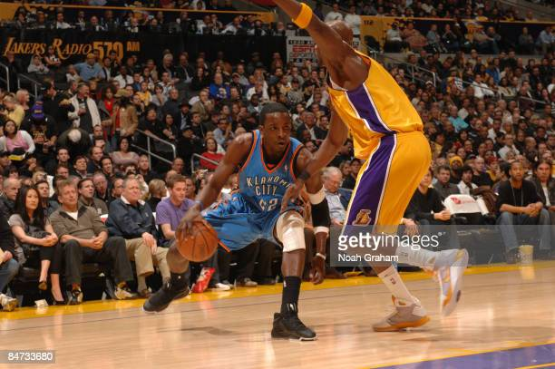 Jeff Green of the Oklahoma City Thunder handles the ball against Lamar Odom of the Los Angeles Lakers at Staples Center on February 10 2009 in Los...