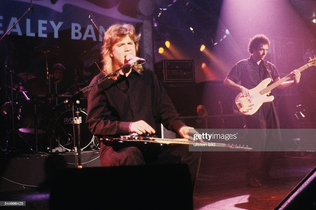 "Jeff Healey - Musician, Rock music, Guitarist, Canada - performing in the TV-Show ""Ohne Filter"" - 05.1989 : News Photo"