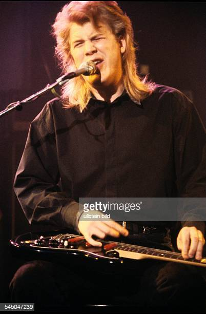 "Jeff Healey - Musician, Rock music, Guitarist, Canada - performing in the TV-Show ""Ohne Filter"" - 05.1989"