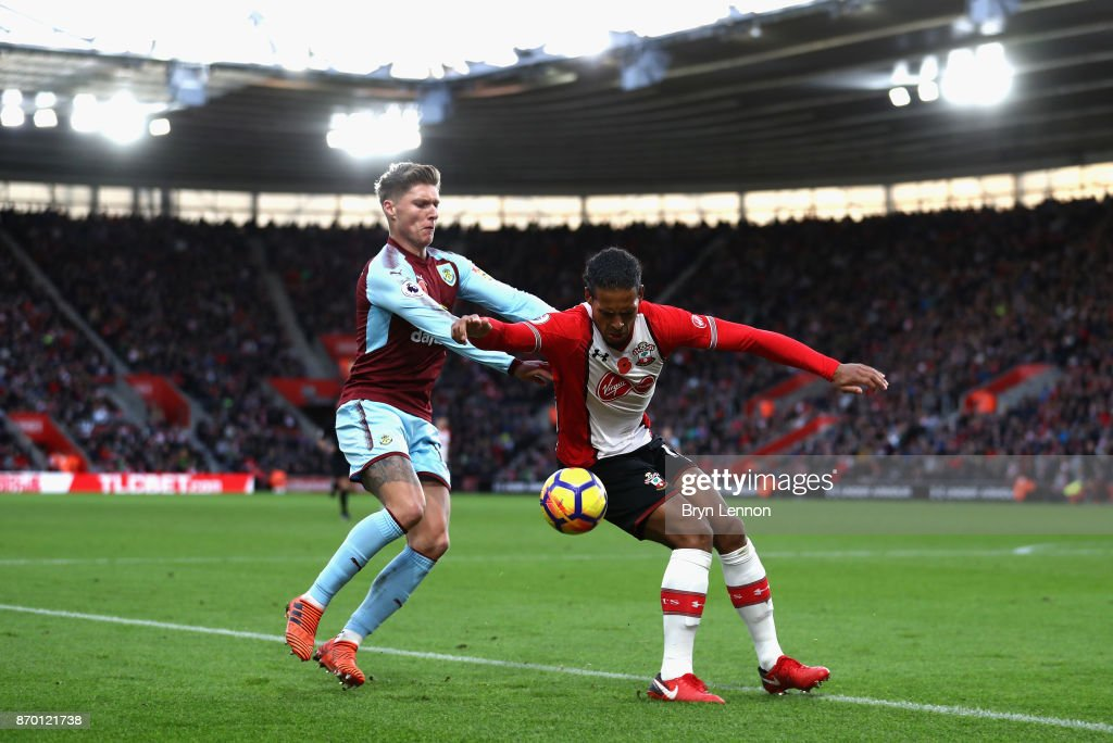 Jeff Hendrick of Burnley and Virgil van Dijk of Southampton battle for the ball during the Premier League match between Southampton and Burnley at St Mary's Stadium on November 4, 2017 in Southampton, England.