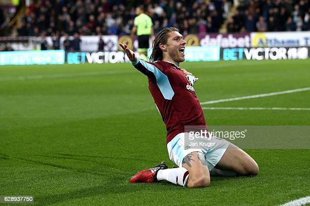 Jeff Hendrick of Burnley celebrates his goal during the Premier League match between Burnley and AFC Bournemouth at Turf Moor on December 10 2016 in...