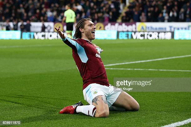 Jeff Hendrick of Burnley celebrates scoring his sides first goal during the Premier League match between Burnley and AFC Bournemouth at Turf Moor on...