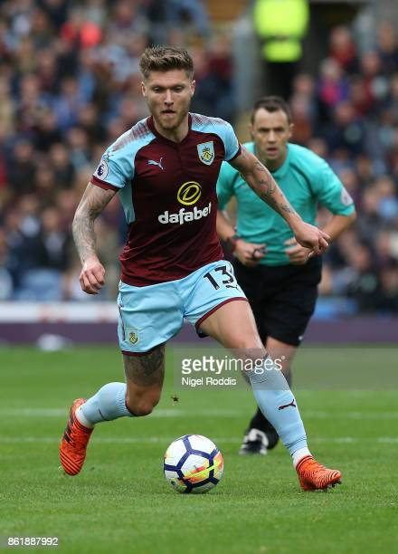 Jeff Hendrick of Burnley during the Premier League match between Burnley and West Ham United at Turf Moor on October 14 2017 in Burnley England