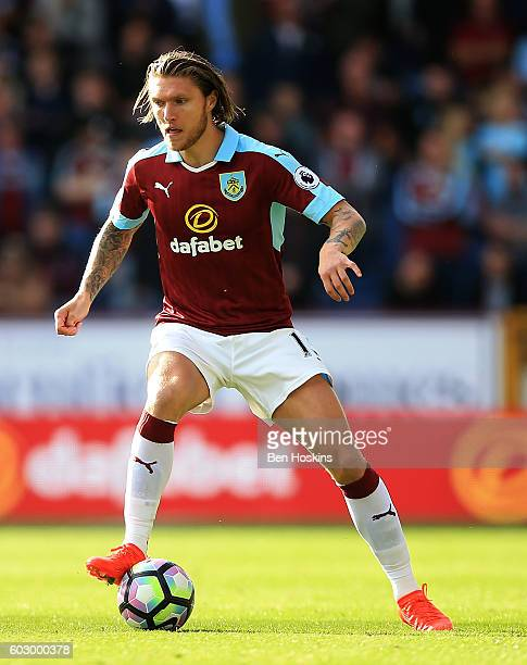 Jeff Hendrick of Burnley in action during the Premier League match between Burnley and Hull City at Turf Moor on September 10 2016 in Burnley England