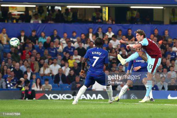 Jeff Hendrick of Burnley scores his sides first goal during the Premier League match between Chelsea FC and Burnley FC at Stamford Bridge on April 22...