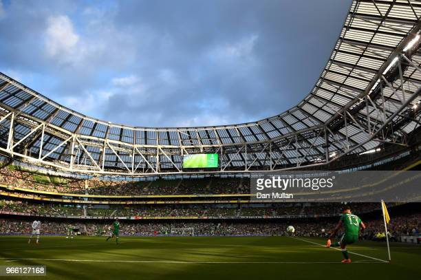 Jeff Hendrick of the Republic of Ireland takes a corner kick during the International Friendly match between the Republic of Ireland and The United...