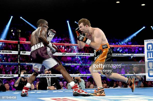 Jeff Horn and Terence Crawford in their WBO welterweight title at MGM Grand Garden Arena on June 9 2018 in Las Vegas Nevada