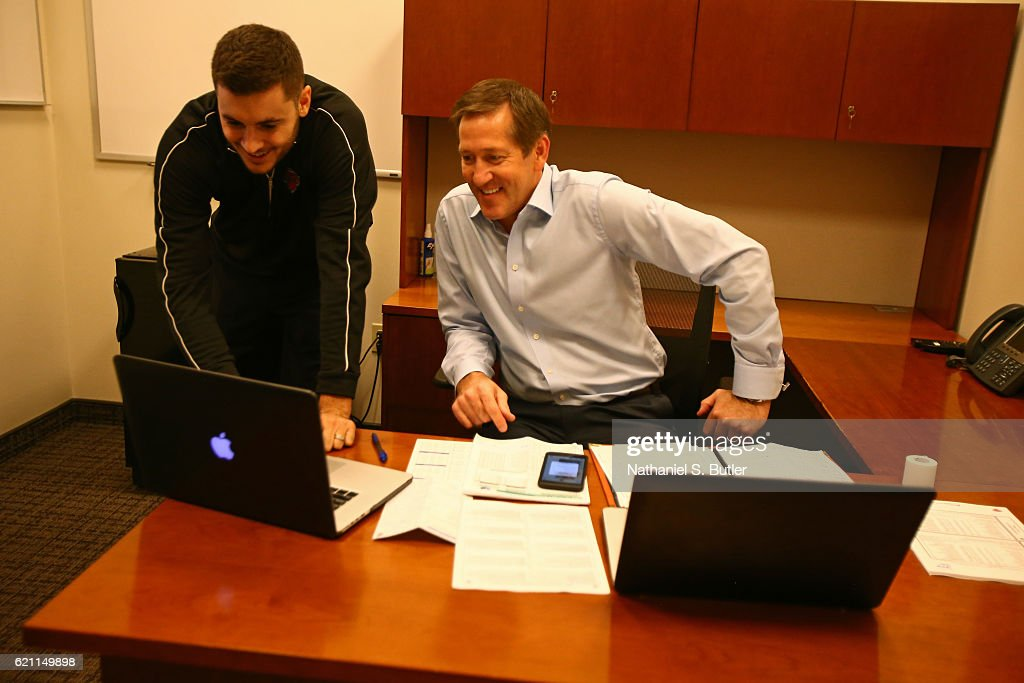 Jeff Hornacek of the New York Knicks watches film before the game against the Memphis Grizzlies on October 29, 2016 at Madison Square Garden in New York City, New York.