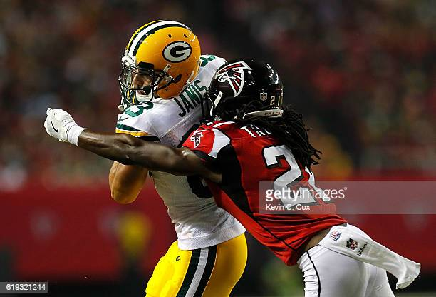 Jeff Janis of the Green Bay Packers pulls in this reception against Desmond Trufant of the Atlanta Falcons at Georgia Dome on October 30 2016 in...