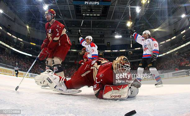 Jeff Likens of Nuernberg celebrate his team's 2nd goal during the DEL match between Hannover Scorpions and Thomas Sabo Ice Tigers at the TUI Arena on...