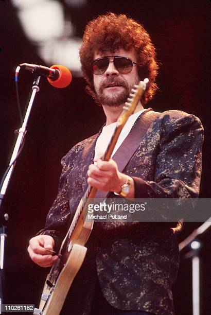 Jeff Lynne of Electric Light Orchestra ELO performs on stage UK circa 1986