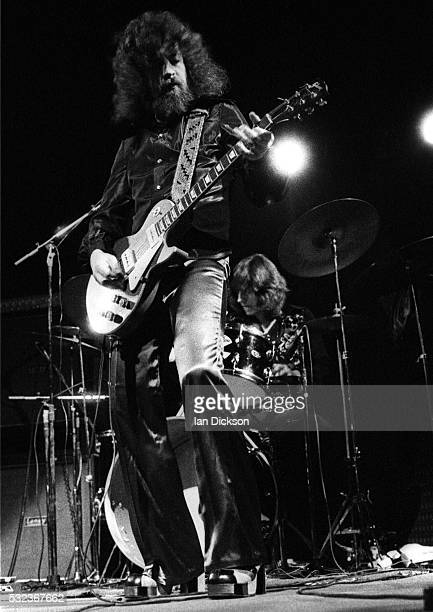 Jeff Lynne of Electric Light Orchestra performing on stage, Rainbow Theatre, London, United Kingdom, 1973.