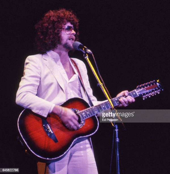 Jeff Lynne performs with Electric Light Orchestra at the Oakland Coliseum in Oakland, California on August 23, 1978
