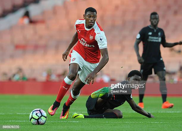 Jeff ReineAdelaide of Arsenal takes on Ovie Ejaria of Liverpool during the match between Arsenal U23 and Liverpool U23 at Emirates Stadium on August...