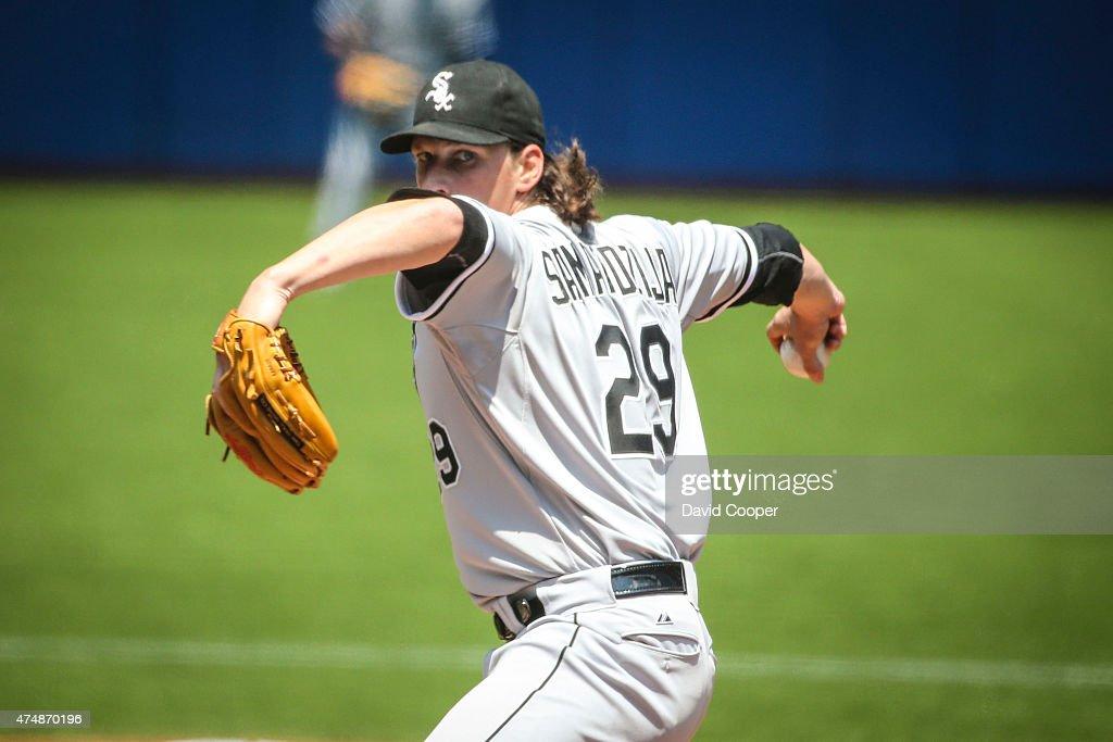 Jeff Samardzija (29) of the Chicago White Sox pitches from the mound : News Photo