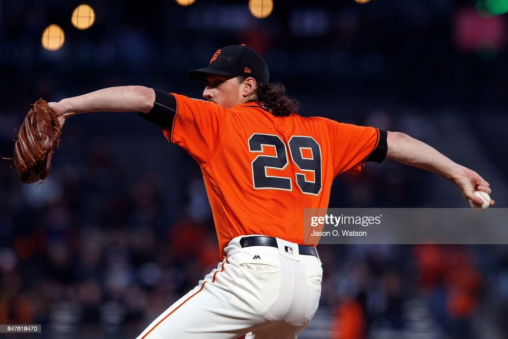 Jeff Samardzija #29 of the San Francisco Giants pitches against the Arizona Diamondbacks during the first inning at AT&T Park on September 15, 2017 in San Francisco, California.