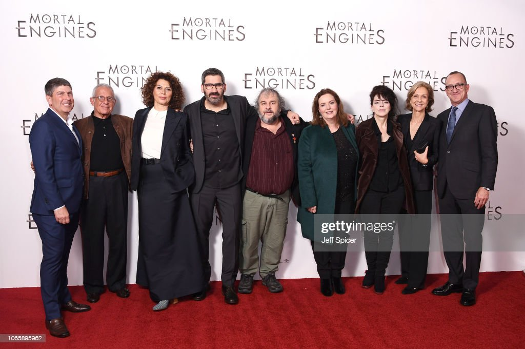 "World Premiere Of ""Mortal Engines"" : News Photo"