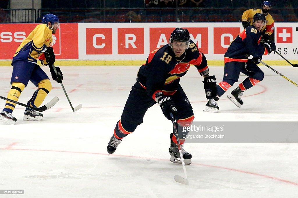Djurgarden Stockholm v HC Davos - Champions Hockey League : News Photo