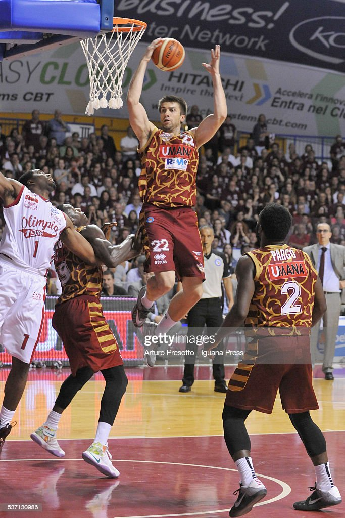 Jeff Viggiano of Umana in action during the LegaBsaket Serie A match between Reyer Umana Venezia and EA7 Emporio Armani Olimpia Milano at Palasport Taliercio on May 29, 2016 in Mestre, Italy.