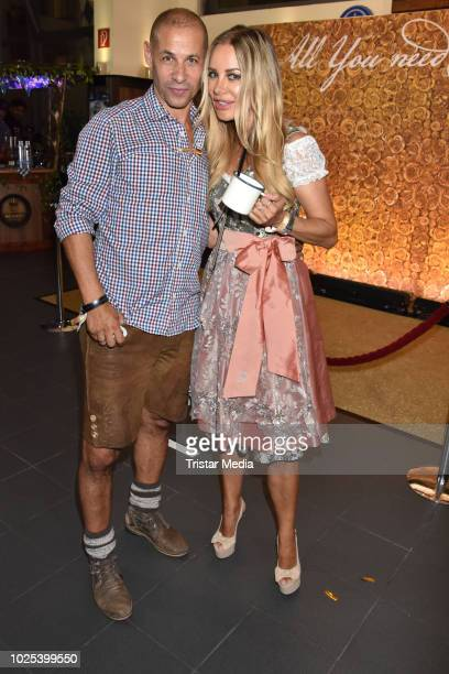 Jeff Williams and Xenia Seeberg during the Angermaier TrachtenNacht at Hofbraeuhaus on August 30 2018 in Berlin Germany