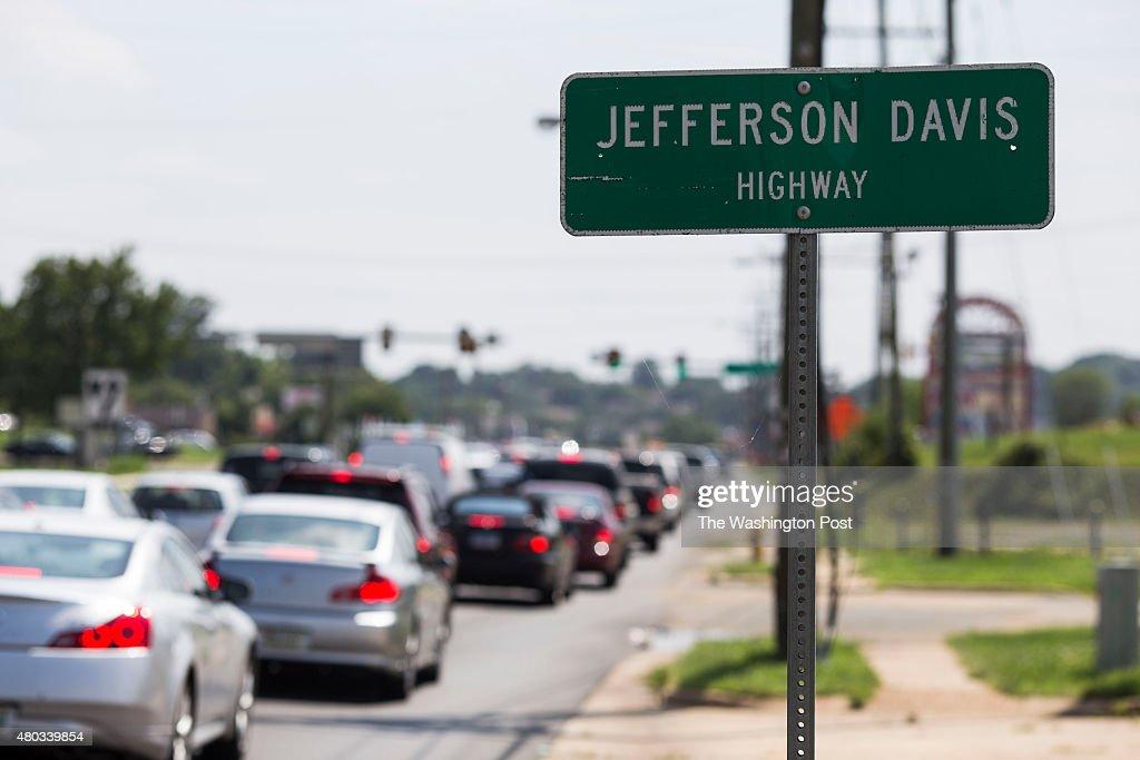 Jefferson Davis Highway : News Photo
