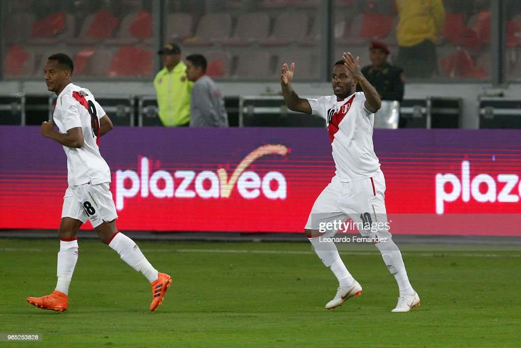 Jefferson Farfan of Peru celebrates after scoring the second goal of his team during the international friendly match between Peru and Scotland at Estadio Nacional de Lima on May 29, 2018 in Lima, Peru.