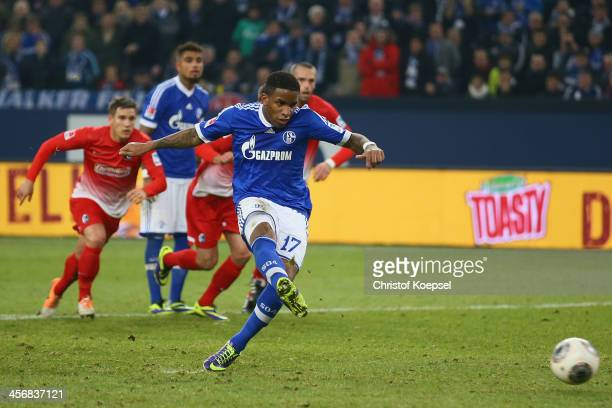 Jefferson Farfan of Schalke scores the second goal by penaltry during the Bundesliga match between FC Schalke 04 and SC Freiburg at Veltins-Arena on...