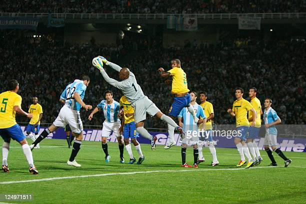 Jefferson from Brazil fights for the ball during the first match of the Superclasico de la Americas at Mario Alberto Kempes stadium on September 14...