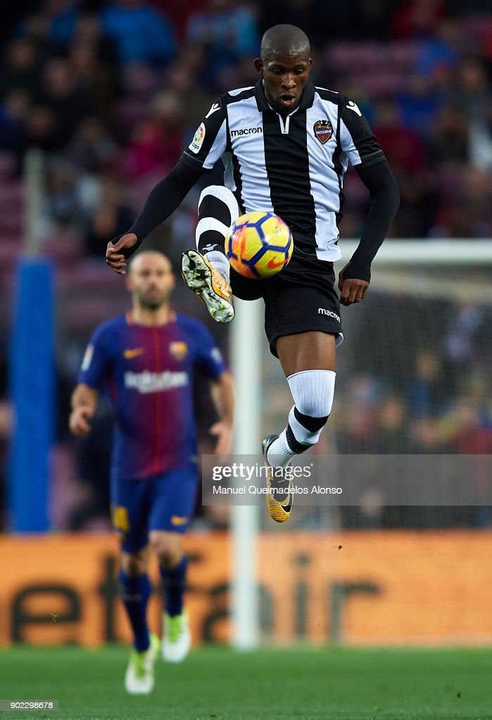 Jefferson Lerma of Levante controls the ball during the La Liga match between Barcelona and Levante at Camp Nou on January 7, 2018 in Barcelona, Spain.