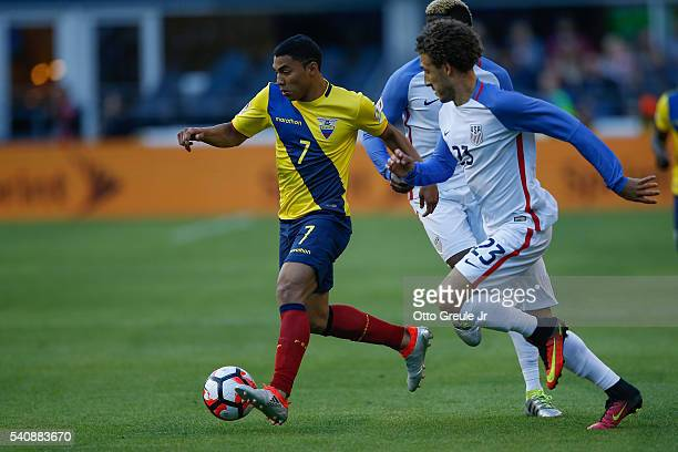 Jefferson Montero of Ecuador dribbles against Fabian Johnson of the United States during the 2016 Quarterfinal Copa America Centenario match at...