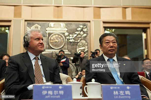 Jeffery Immelt chairman and chief executive officer of General Electric Co left and Lin Zuoming president of China Aviation Industry Corp I attend a...