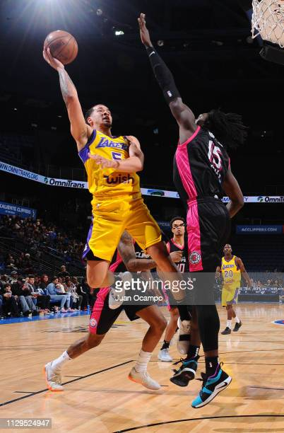 Jeffrey Carroll of the South Bay Lakers drives to the basket against Johnathan Motley of the Agua Caliente Clippers of Ontario on March 9 2019 at...