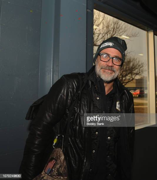 Jeffrey Dean Morgan attends the 2018 Walker Stalker Con at New Jersey Exposition Center on December 8, 2018 in Edison, New Jersey.