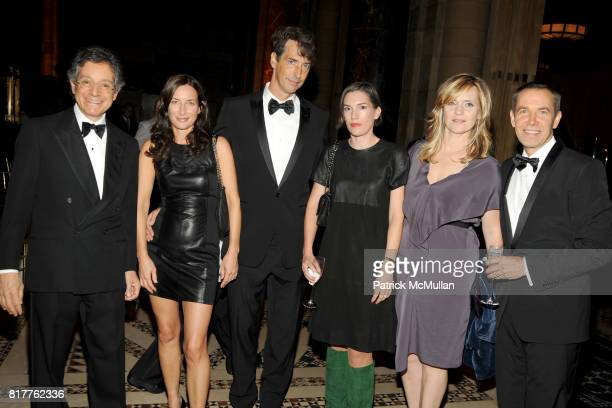 Jeffrey Deitch, Josephine Meckseper, Richard Phillips, Sarah Morris, Justine Koons and Jeff Koons attend AMERICANS FOR THE ARTS 2010 National Arts...