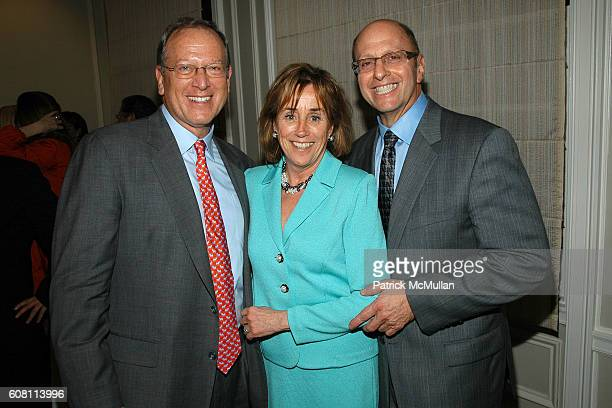Jeffrey Levine Valerie BidenOwens and Harry Braunstein attend QUINLAN PRIVATE cocktail reception for GOVERNOR ELIOT SPITZER on behalf of the US...